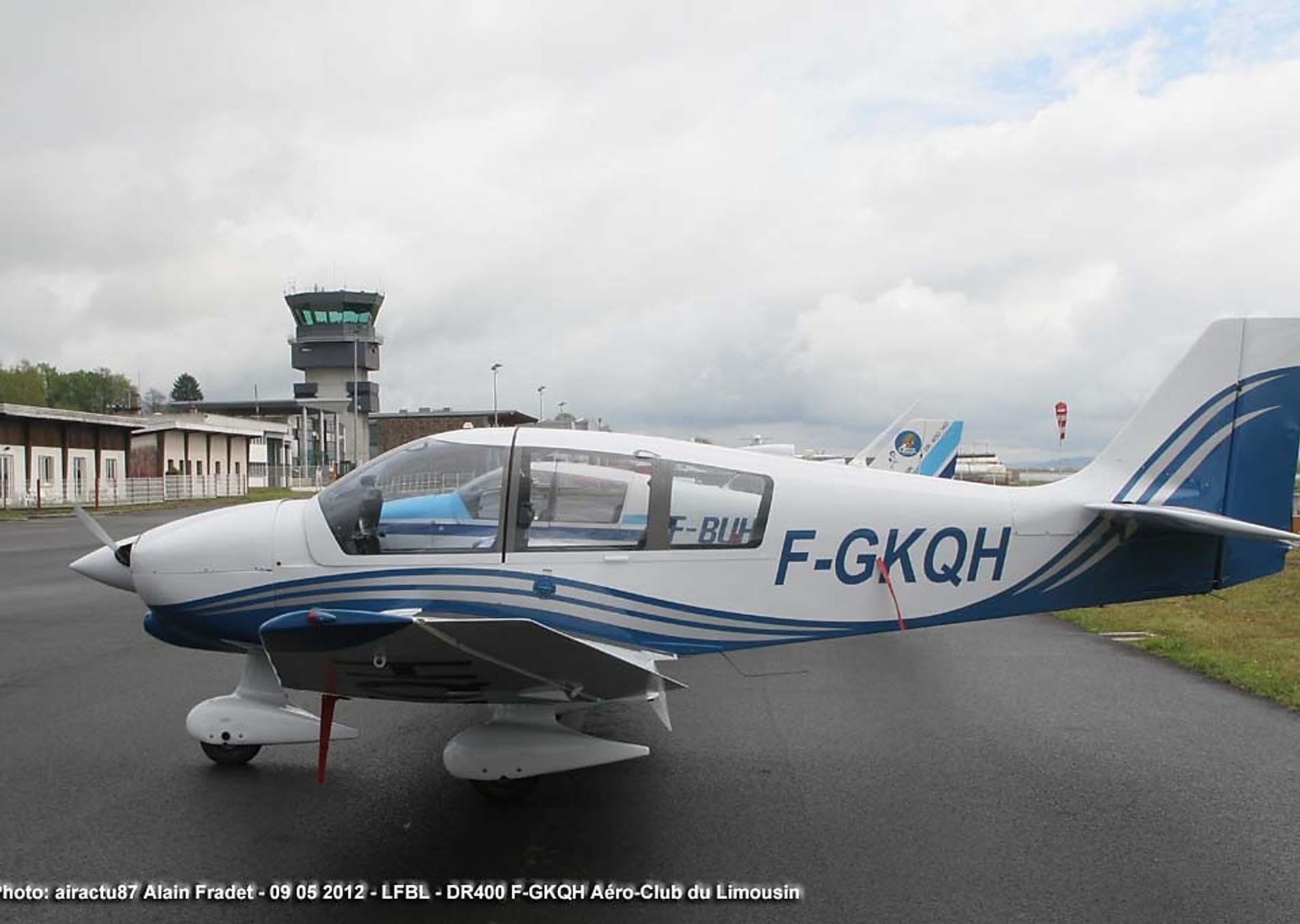 DR400, le robin DR400 est un avion 4 places en toile et bois, monomoteur à pistons (160 cv), non pressurisé, à ailes basses, à train tricycle. Vitesse de croisière 110 kt, autonomie 4h